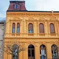 Zgradba - Az épület - The building 2